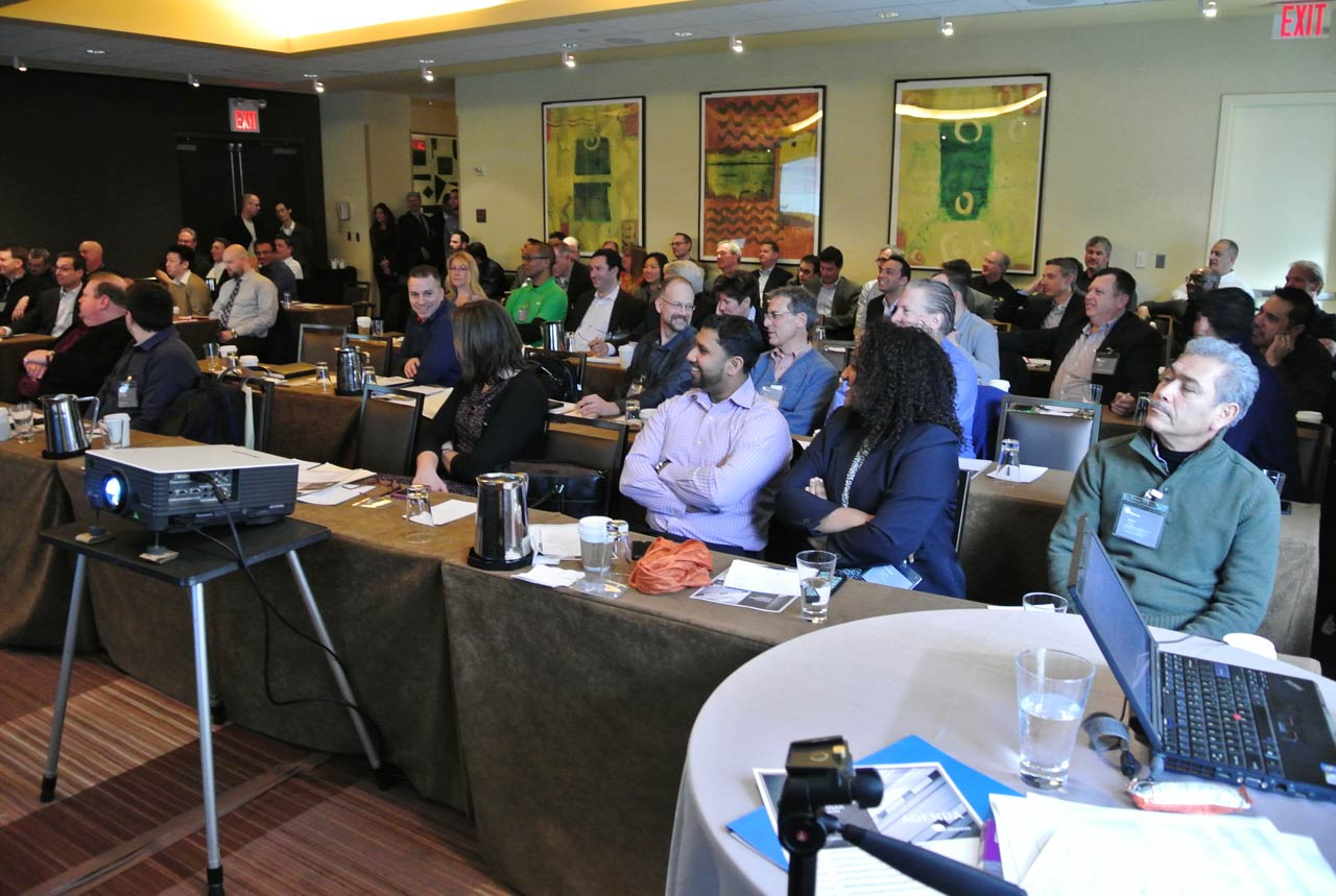 11-Front-of-the-room-during-AM-session